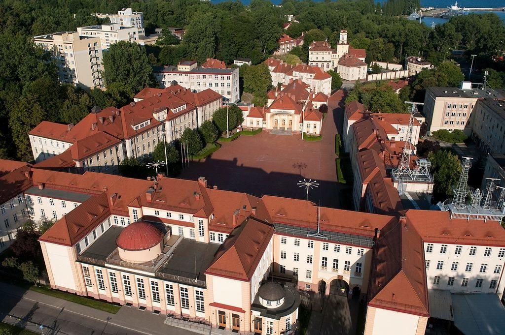 Modernizacja Instalacji Hydarntowej, C.O. , Z.W. , C.W.U. , Deszczowej typu Pluvia oraz Kanalizacji na obiekcie Wojskowej Akademii Marynarki Wojennej w Gdyni budynek 365.